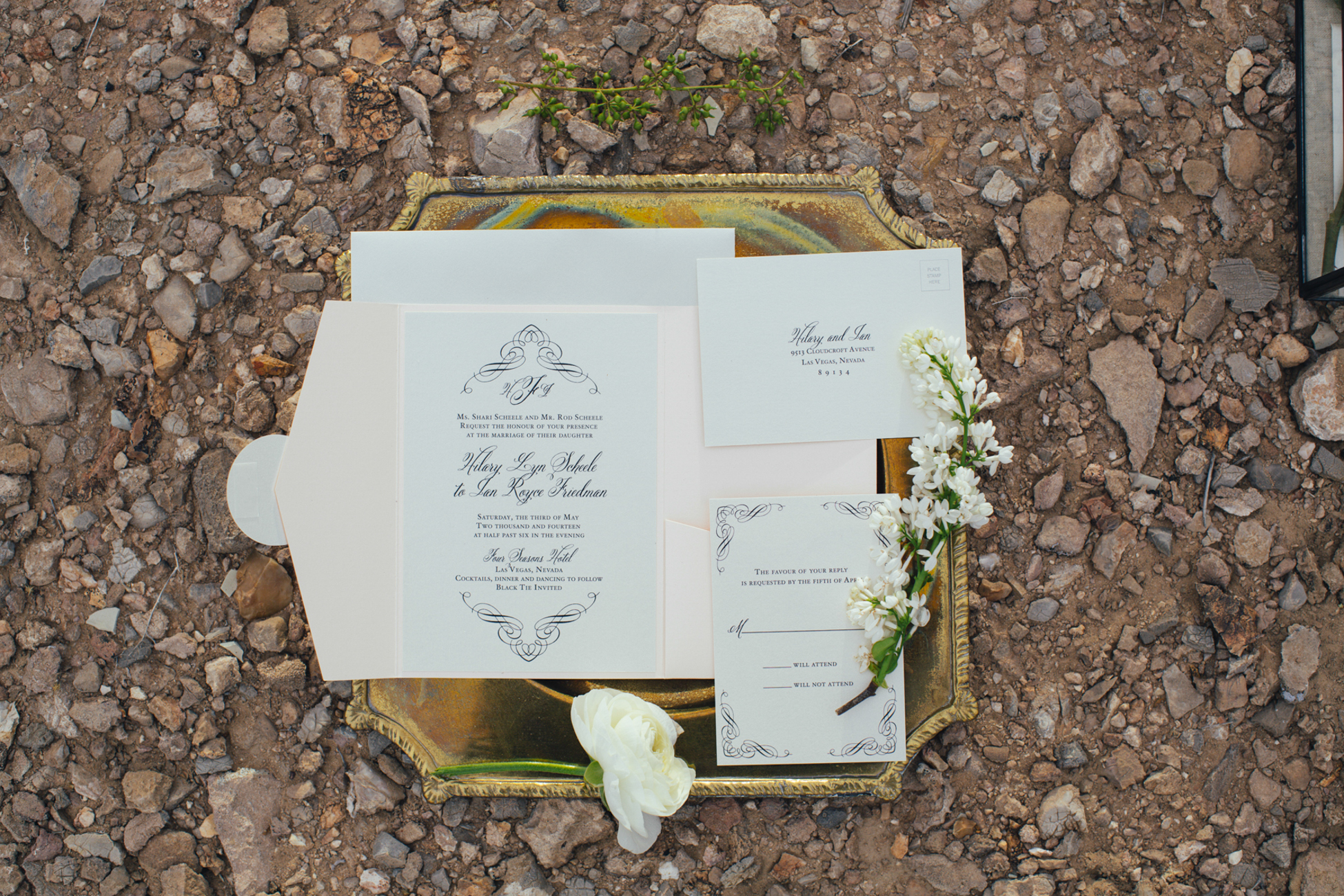 Courtney Mike Vegas Elopement_41