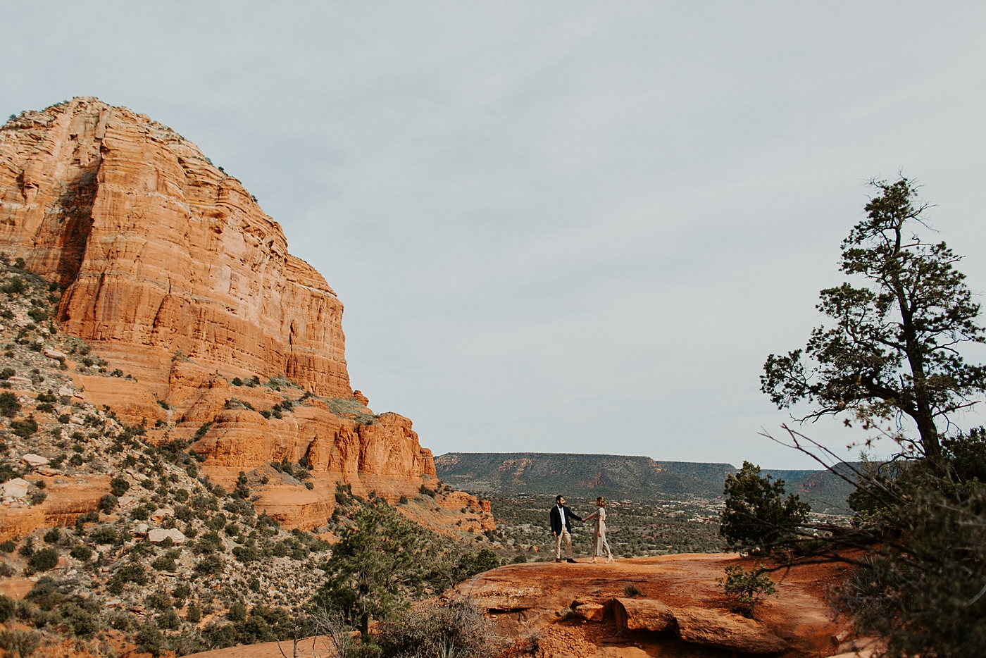 couple exploring at bell rock