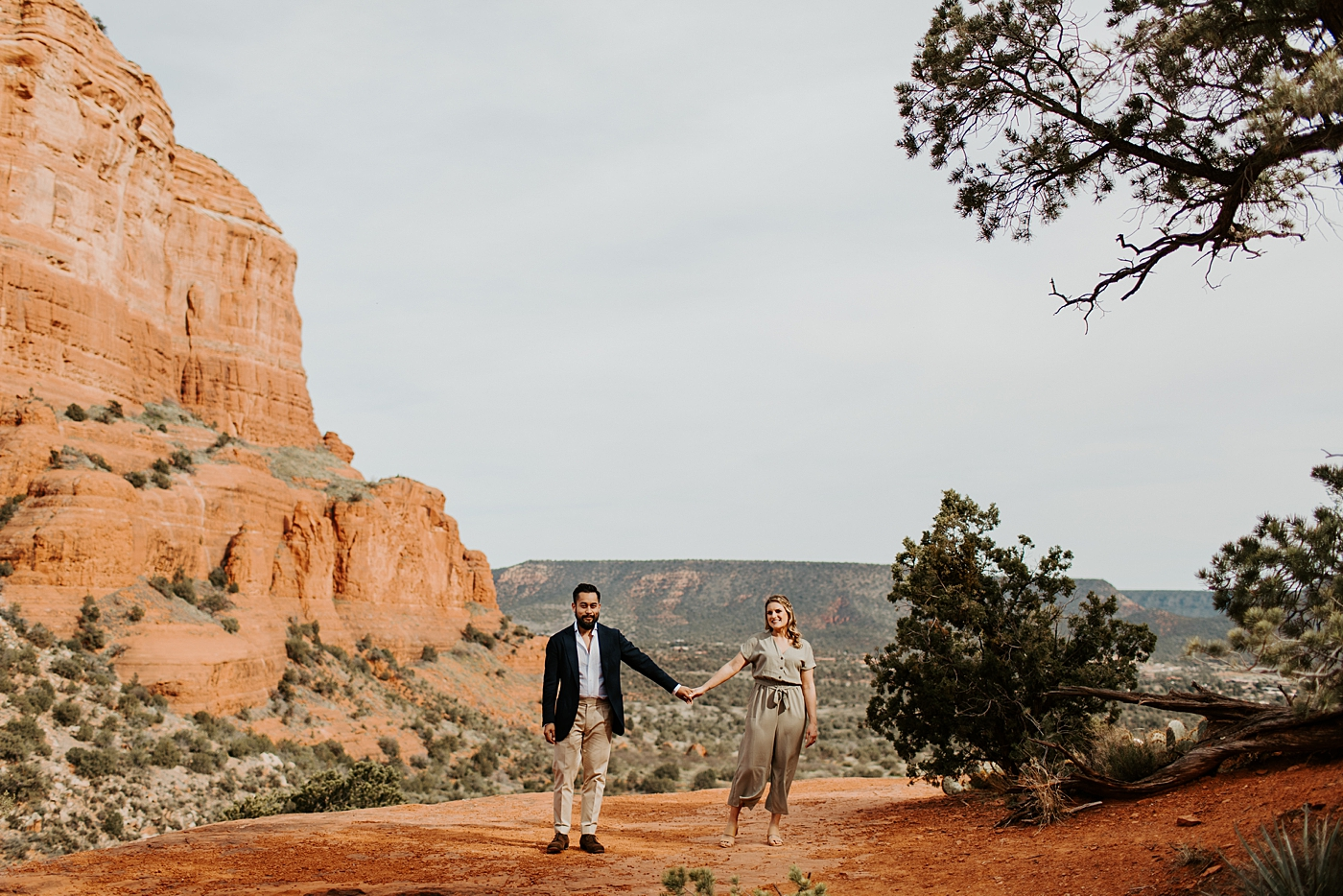 bell rock, sedona couple